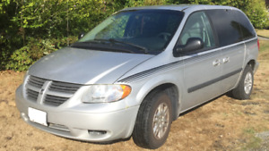 2006 Dodge Caravan Minivan with 2 car starters/keyless entry
