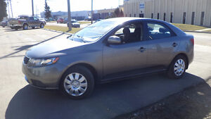 12 Forte - 4 door - auto - LOADED - A/C - NEW TIRES - ONLY 102KM