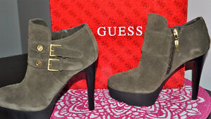 Guess Elnorre Suede Booties Size 6.5