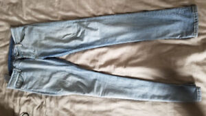 Men's Levi Jeans - Barely Worn