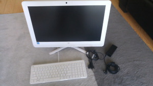 """(Mint condition) 21"""" HP all in one pc"""
