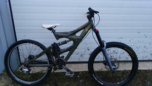 Giant Faith 2 Mountain Bike with FOX Marzocchi 66 Shimano Race F