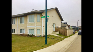 Beautiful Spacious Duplex for Rent in Red Deer New Oriole Park