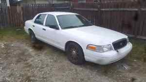 09 old police cruiser crown vic