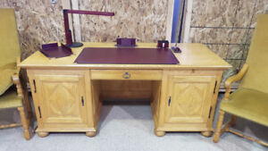 Massive wood Desk with Chairs & Accessories