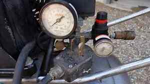Air Compressor  Stratford Kitchener Area image 3
