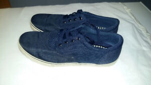 Madden Men's 9.5 blue shoes