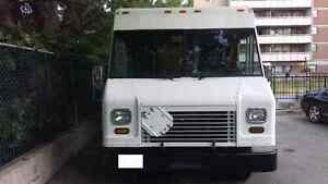 2006 E450 Ford Step Van Cargo Delivery Food Truck Utillimaster