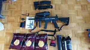 Tippmann X7 Phenom Paintball Gun fully loaded with all bonuses++