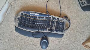 Microsoft Wireless Comfort Keyboard Model 1027 Kitchener / Waterloo Kitchener Area image 1