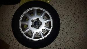 4 pneus avec jantes de 195/65 R15