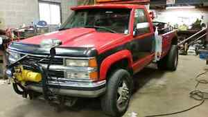 1994 454 4x4 tow truck