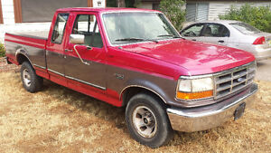 1995 Ford F-150 XL Extended Cab Pickup Truck