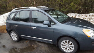 2012 Kia Rondo Wagon - low millage