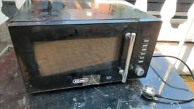 Black Delongi microwave