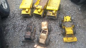 metal/steel Tonka trucks