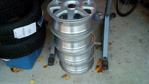 """Winter Mags (Alloy)  15"""" (4 bolt)  originally from Honda Accord West Island Greater Montréal image 2"""