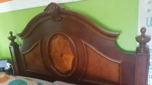 Mobilier de chambre Monarch en bois brun