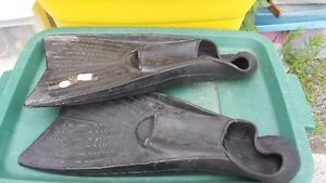 2 SETS OF SWIMMING FLIPPERS Belleville Belleville Area image 5