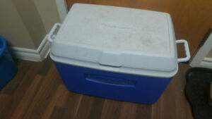 Rubber maid cooler - can deliver/meet