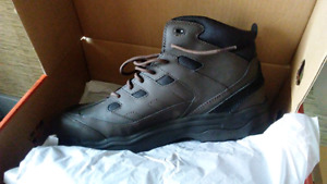 Brand new red wings work boots 13