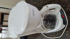 coffee maker. Almost New