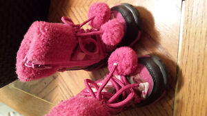 Size 4 girl winter boots London Ontario image 1
