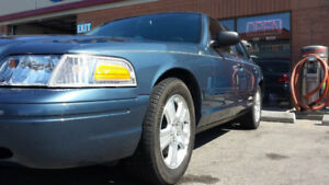 2008 Ford Crown Victoria Leather Sedan