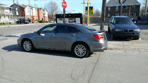 "Chrysler 200 touring V6 mags 18"" full"