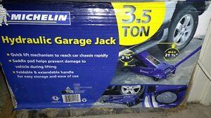 Jack NEW 3.5-Ton Michelin Garage Jack-$120 (Value$174.99+Tax)