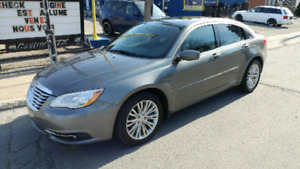 Chrysler 200 2013 V6 sport touring