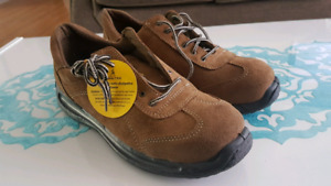 Metal Safety work shoes(size 9)