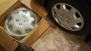 "Set of 4 new 15"" Clip on Silver Hubcaps for Honda"