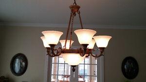 Ensemble de lampes (4) et plafonniers (2) de verre