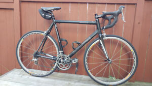 Mint Cannondale R1000 CADD8 road bike and the lowest priced