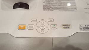Epson PowerLite 425W Projector + Spare Bulb Stratford Kitchener Area image 3