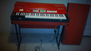 """""""Vintage Red Farfisa combo compact keyboard organ"""" West Island Greater Montréal image 2"""