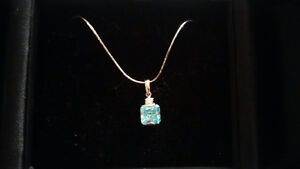 18K white gold necklace with sapphire gem Oakville / Halton Region Toronto (GTA) image 1
