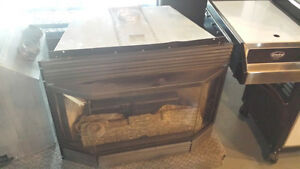 Bay Window Selkirk (Gas fireplace preowned)