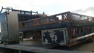 2000 FLAT DECK W/CRANE OPENING AND STEEL TOOL BOXES
