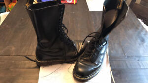 Original Classic Doc Martens 14 Hole Size US10 Made in England!
