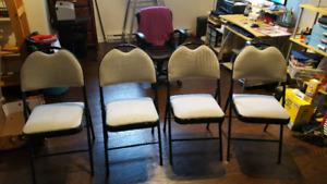 4 chaise dépliante avec coussin coussineux