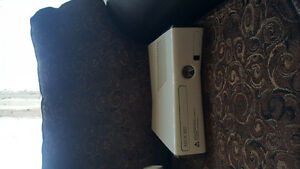 Xbox 360 with Headset and kinect and controllers Oakville / Halton Region Toronto (GTA) image 4