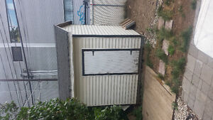 Cabanon a vendre/Shed for sale