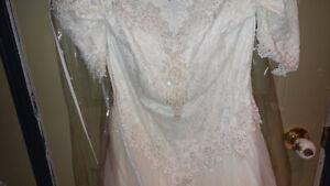 Jolie robe avec crinoline