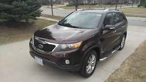 MINT! 2011 Kia Sorento EX-Leather AWD