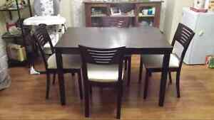 wood dinning table with 4 chair for sale