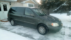 2004 Kia Sedona 7 pass Van Very Clean 170000 kms