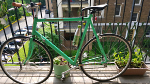 Cannondale Road Bike - late 80's - Large frame (65 cm)