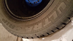 Goodyear Ultra grip ice 215/65R15 with rims x 4